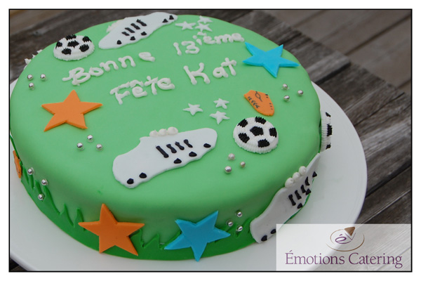 Soccer Cake with Fondant
